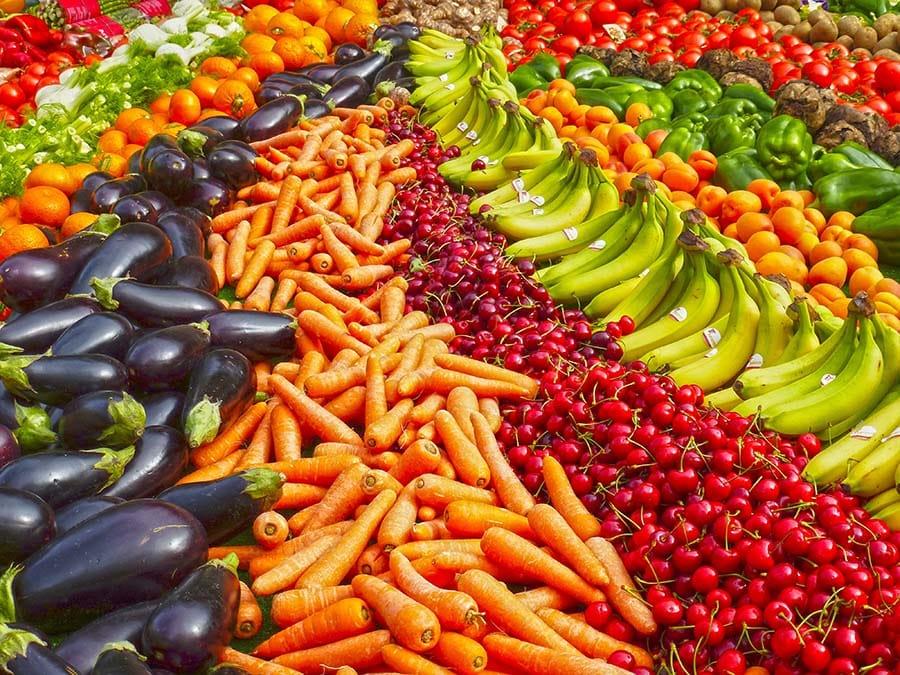 fruits et légumes variés et en quantité